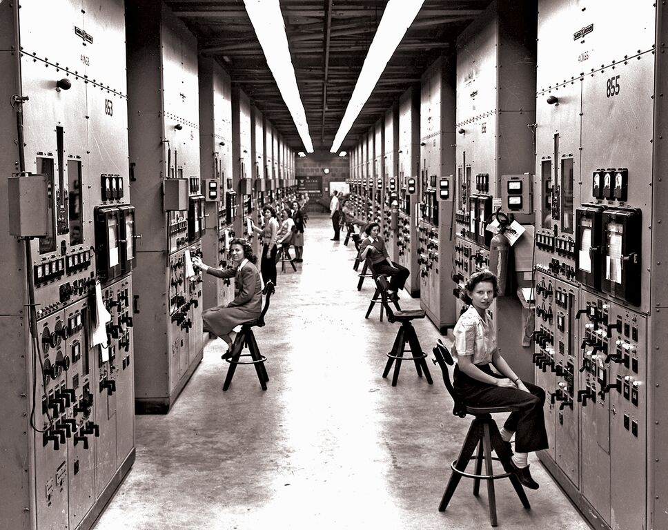 women working with switch boards in oak ridge center