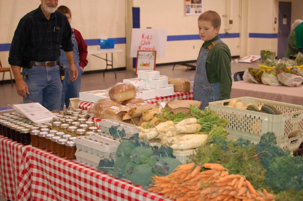 fresh veggies at farmers market in oak ridge tn